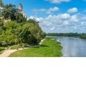 """Séjour vélo/kayak sur la Loire (2 jours / 1 nuit) - <p>Offrez ou offrez-vous un séjour itinérant original et profitez des paysages exceptionnels du Val de Loire ! Vous êtes plutôt """"randonneur"""" ? Les kilomètres ne vous font pas peur ? Choisissez la boucle combinée vélo (39 ou 42 km) à l'aller et kayak (34 km) au retour en 2 jours avec une nuit en cabane ou en yourte mongole. Départ de Champtoceaux et hébergement en cabane sur pilotis à La Pommeraye ou en yourte ou chambre d'hôtes à Montjean sur Loire. Transfert du matériel et des bagages compris. Possibilité d'option Kayak seul au départ des Ponts de Cé (64,5 km en 2 jours).</p>"""