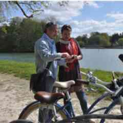 Randonnez et respirez en Seine-et-Marne - <p>Vivez 2 journées 100% oxygène en région de Fontainebleau. Rendez-vous à l'île de loisirs de Buthiers pour une nuit atypique en roulotte et des activités vélos originales (quadbike, VTT…). 187 € par personne pour 10 à 12 personnes. (Le prix comprend : hébergement, activités encadrées, un panier repas de produits du terroir).</p>