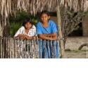 Colombie, 100 % Caraïbes - <p>La Colombie est riche de sa diversité. Cette fois nous partons pour l'extrême nord du pays, la côte des Caraïbes, le parc National de Tayrona, la péninsule de la Guarija et la sierra de Santa Marta. <br />Un voyage qui allie les plages bordées de cocotiers du parc National de Tayrona aux paysages grandioses parce que désertiques, du territoire Wayuu. Des dunes d'un univers côtier unique au monde, nous grimpons sur les hauteurs. Entre fincas et neiges éternelles, nous profitons des couchers et des levers de soleil de panoramas qui nous émeuvent.</p>