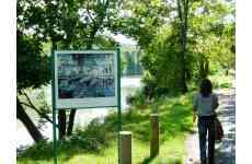 Or bleu et écrins de verdure, découvrez Saint Germain Boucles de Seine - <p>Sur le territoire Saint Germain Boucles de Seine, venez prendre un grand bol d'air entre Seine et forêts. Un dépaysement total à seulement quelques kilomètres de Paris. Que vous soyez en famille, entre ami(e)s, en couple ou solo, balades, promenades et randonnées seront autant d'activités que vous pourrez partager. Notre destination est le lieu idéal pour vous ressourcer et vous oxygéner. Pour aller plus loin, n'hésitez pas à découvrir notre patrimoine historique et culturel, entre royauté, Empire et impressionnisme.</p> <p><strong>SPORT/DECOUVERTE/CONTEMPLATION DE LA NATURE :</strong></p> <p><strong>Randonnée - Vélo - Cheval</strong></p> <p>1)Randonnée à cheval 3h (forêt de Saint Germain) 75€</p> <p>2)Randonnée à vélo électrique 7h (forêts de Marly et Saint Germain) 40€</p> <p>3)Randonnée pédestre pays des impressionnistes 1h30 (Saint Germain, Port-Marly, Marly, Louveciennes, Croissy, Chatou) : 4 circuits : Sisley-Pissaro-Monet- Renoir : 10€</p>