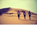 ROSE TRIP 2018 - <p>Du 31 Octobre au 5 Novembre 2018, Désertours ouvre les portes du<strong>désert marocain</strong>à toutes les femmes en soif d'aventures.<strong>100% féminine</strong>, la<strong>randonnée itinérante Rose Trip</strong>se réalise par<strong>équipes de trois</strong>au cœur de la région de Merzouga. Six jours d'aventures dont<strong>quatre jours d'étapes</strong>entièrement dédiées au lâcher prise et au total dépaysement.</p> <p>Les participantes auront à rallier un point A à un point B à l'aide d'une boussole, d'un roadbook et d'une bonne paire de chaussures de randonnée. Au programme, plusieurs<strong>étapes d'orientation</strong>où toute notion de vitesse est exclue. Les équipes auront à comprendre et interpréter leur environnement pour mieux se l'approprier. Dans cette aventure, l'équipe vainqueur sera celle qui aura<strong>réalisé le moins de kilomètres</strong>tout en respectant les points de contrôle.</p>